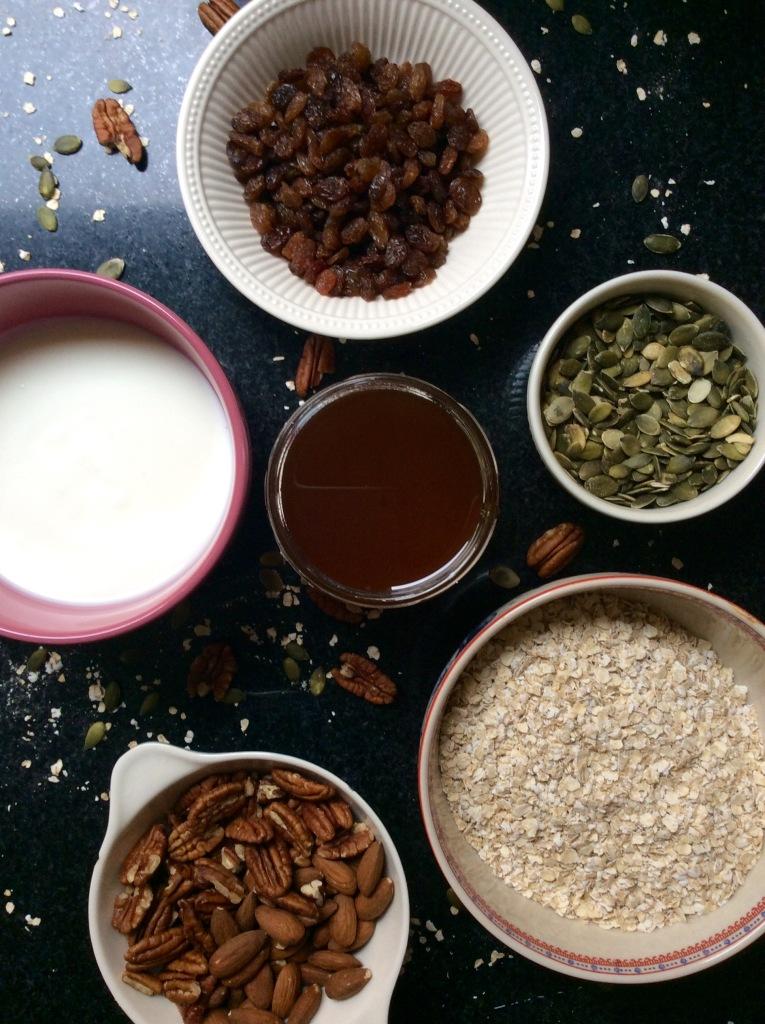 granola with nuts healthy